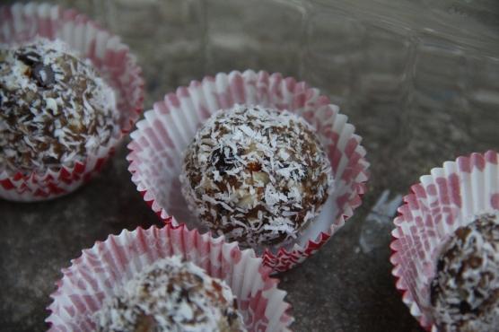 Tiny Healthy Treat with Coconut © KETMALA'S KITCHEN 2012-13