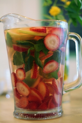 Strawberry Lemon Mint Spa Water © KETMALA'S KITCHEN 2012-13