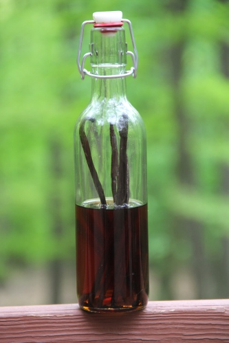 Homemade Vanilla Extract © KETMALA'S KITCHEN 2012-13